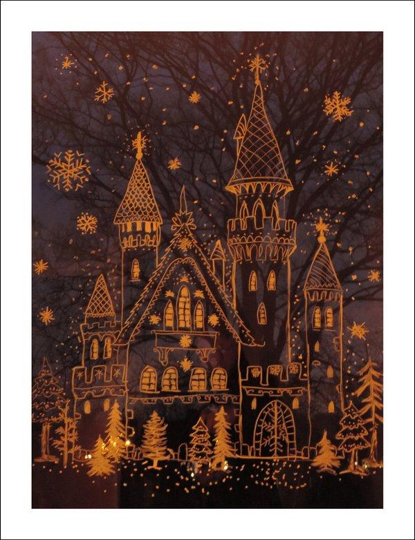 Weihnachtliches Fensterbild mit Baum im Hintergrund - Klappkarte mit Umschlag